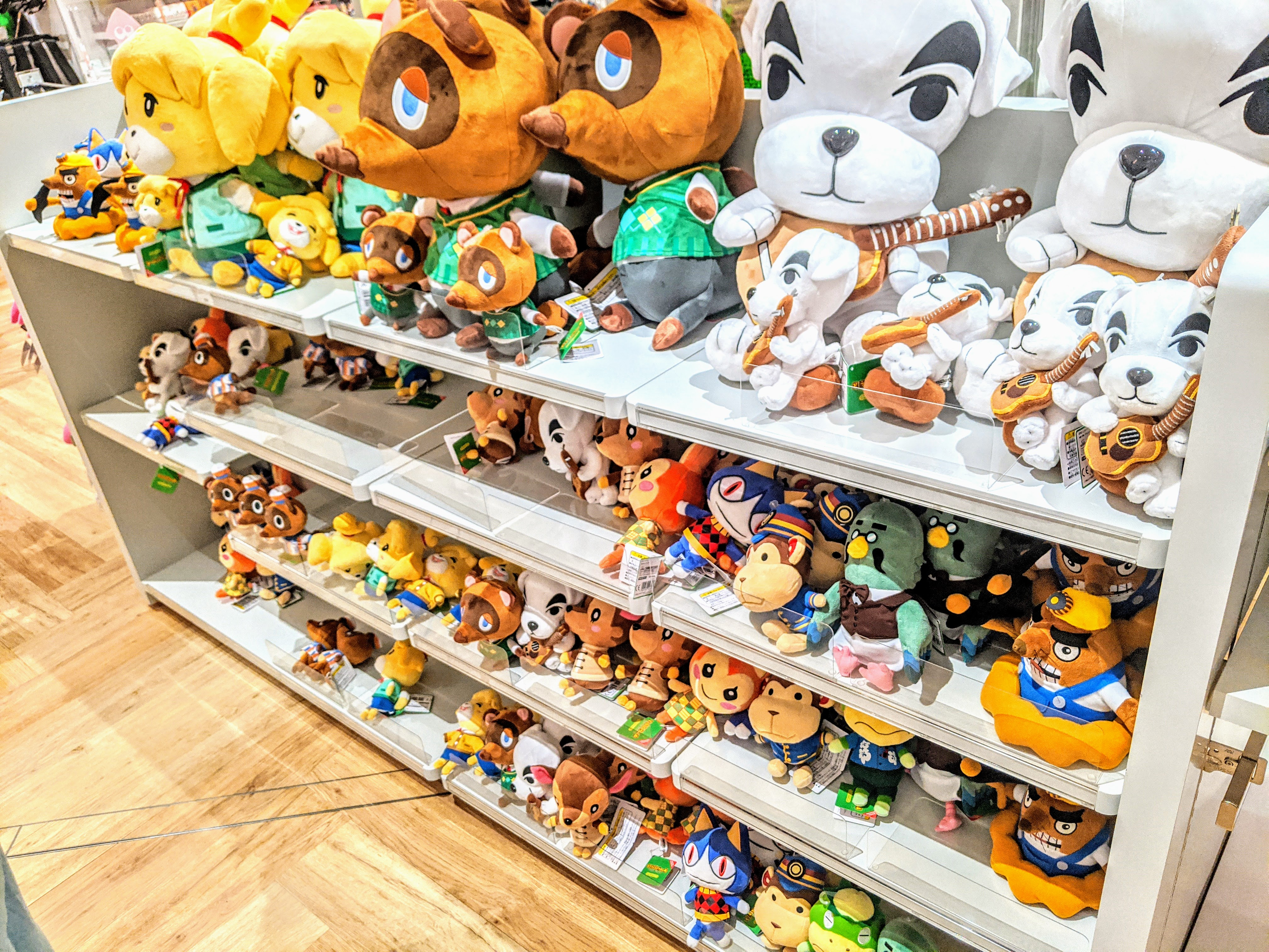 Nintendo TOKYO (任天堂)のどうぶつの森グッズコーナー preview